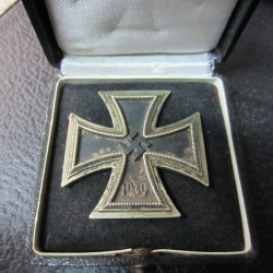 Iron cross 1st Class with box