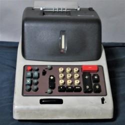 Macchina calcolatrice...
